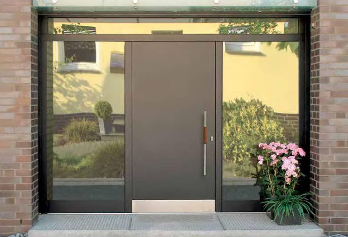 Aluminium-Haustüren Wirus Modell Basic mit Seitenteilen und Oberlicht - pmt Aluhaustüren für München und Rosenheim